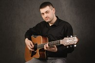 Поющий гитарист Баррикадная