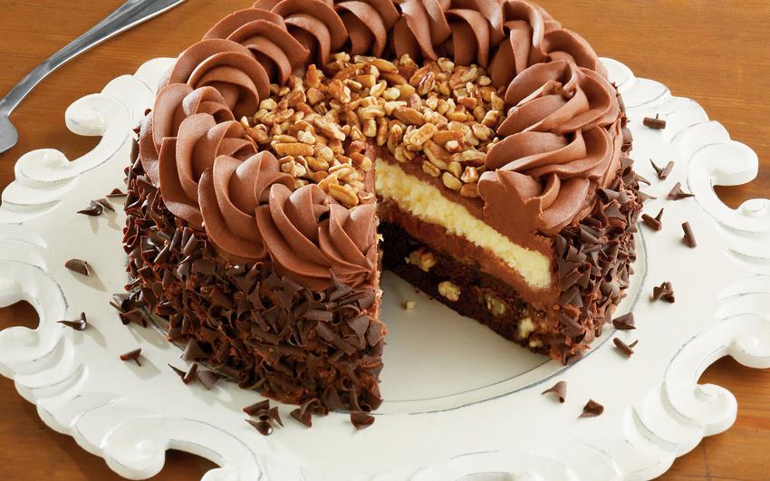 Шоколадный торт с орехами картинки