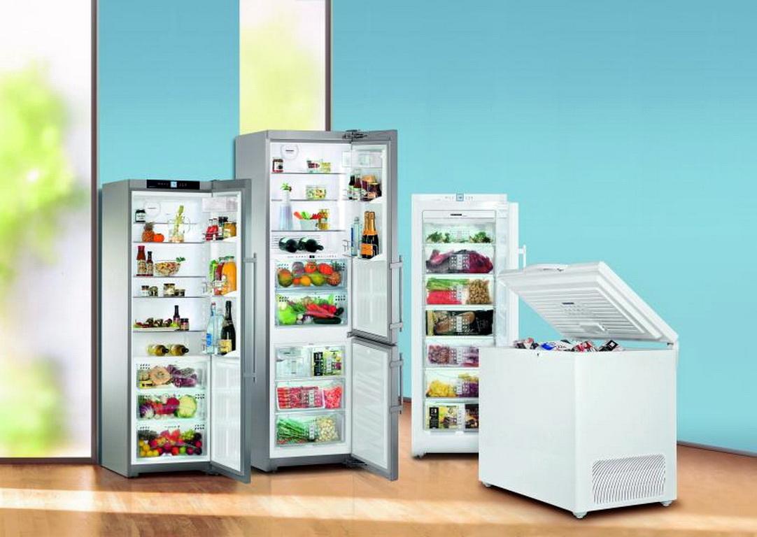 Картинка холодильников в магазине